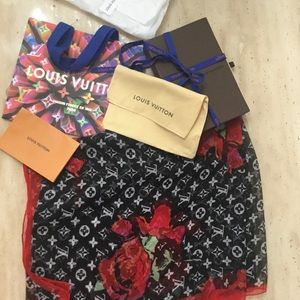 Louis Vuitton/Stephen sprouse roses silk shawl